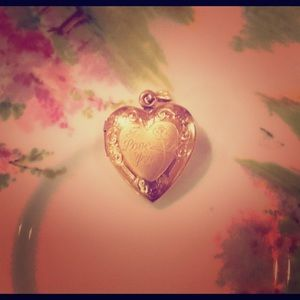 Jewelry - 14KT Gold I Love You Heart Locket